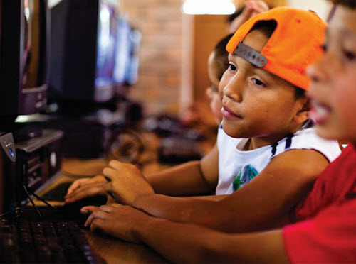 Libraries in Honduras reduce the digital divide. Photo courtesy Riecken Community Libraries.