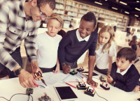 Librarian and youth in makerspace programming