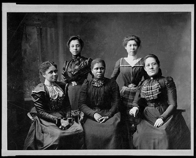 Photo of 5 Women Officers of Women's League for 1900 Paris Exposition